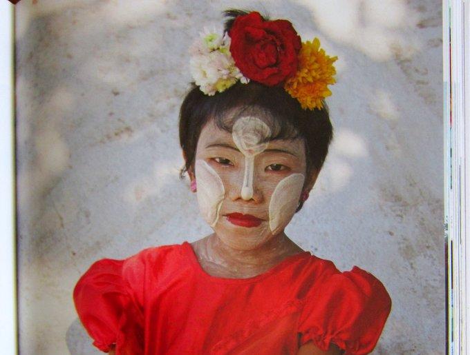 Mädchen mit Gesichtsmaske aus Tanak -  Reisen in Burma